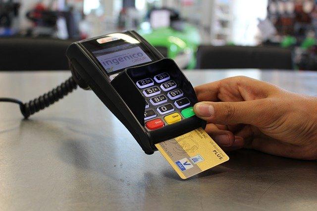 Czym się kierować wybierając bank?